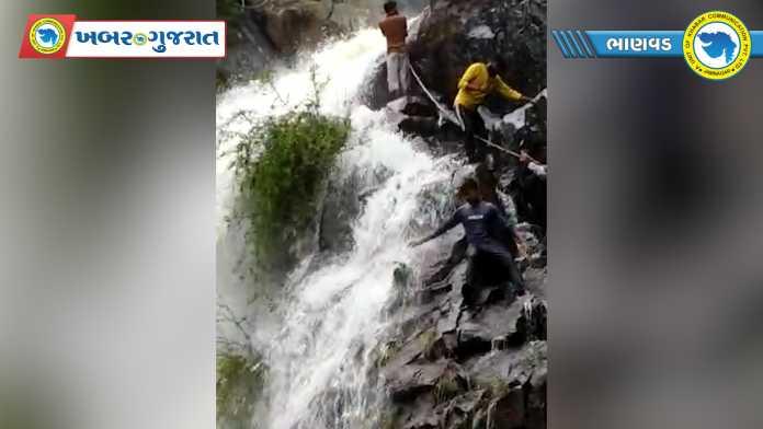 bhanwad satsagar dam overflow-2